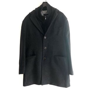 Alfred Sung Men's wool blend coat. Size 46